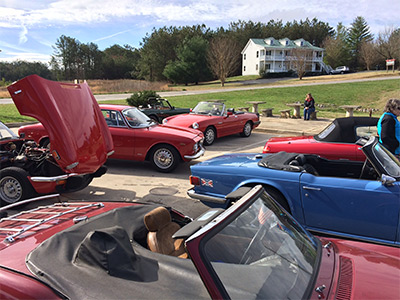 Vintage Cars Cruise Through Pickens