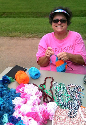 Come to the Jasper Farmers Market Join June's Knit Withs*