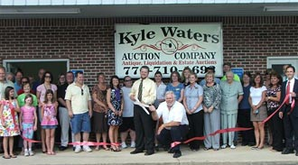 Kyle Waters Auction Company Ribbon Cutting