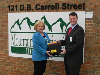 Piedmont Mountainside Hospital Presents AED to Local High School