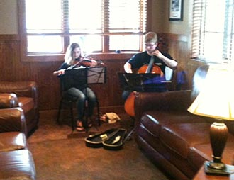 Fatz Hosts Duet from Sharptop Strings