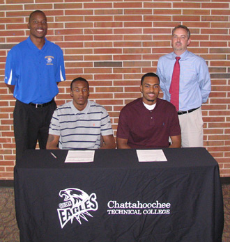 Men's basketball signs first two players of 2012 recruiting class