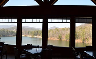 Mountains Grill & Black Bear Pub at Lake Sconti